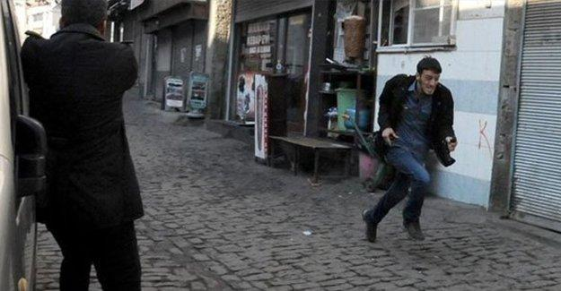 Gazeteci Ahmet Şık'ın gözüyle, görüntüler üzerinden Tahir Elçi cinayeti