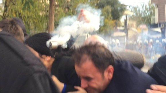 Figen Yüksekdağ'dan o fişek için suç duyurusu