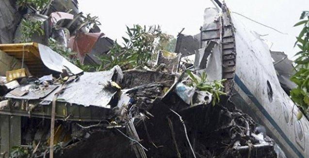 Güney Sudan'da kargo uçağı düştü: En az 25 ölü