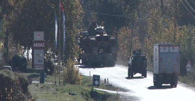 Hatay sınırına zırhlı araçlar gönderildi