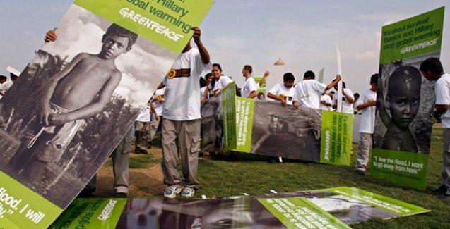 Hindistan Greenpeace'i ülkeden kovuyor