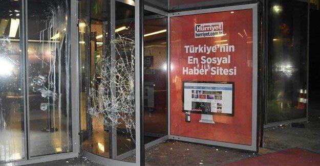 Hürriyet  Gazetesi'ne  saldıran 10 kişiye hapis talebi