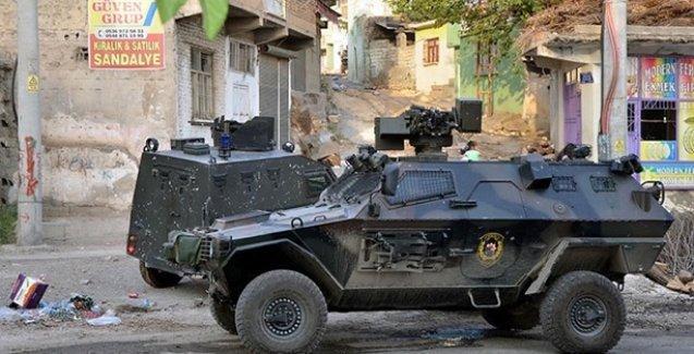 İçişleri yetkilisi: Silvan'da üç mahalleyi haritadan sileceğiz