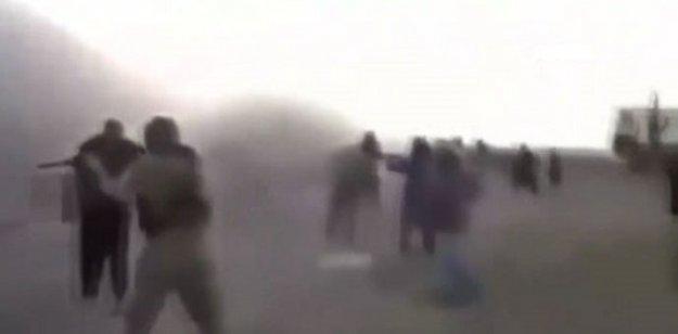 IŞİD 200 Suriyeli çocuğu kurşuna dizdi!