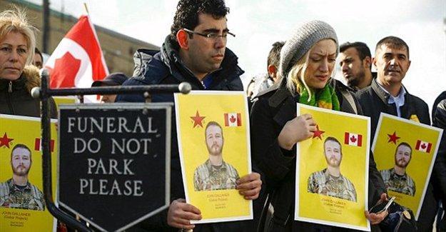 Kanadalı YPG savaşçısı on binlerce kişinin katıldığı resmi törenle uğurlandı