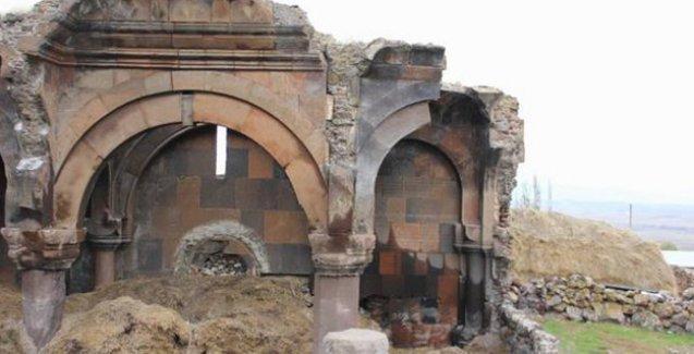 Kars'ta bin yıllık manastır samanlık, kilise ise ahır olarak kullanılıyor