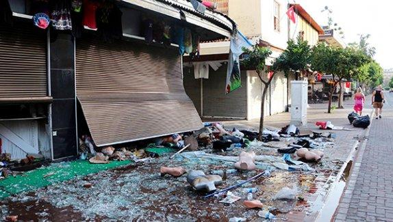 Kürt vatandaşın dükkânını yağmalayıp yakmak terör değilmiş