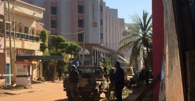 Mali'de otel baskını: 170 kişi rehin