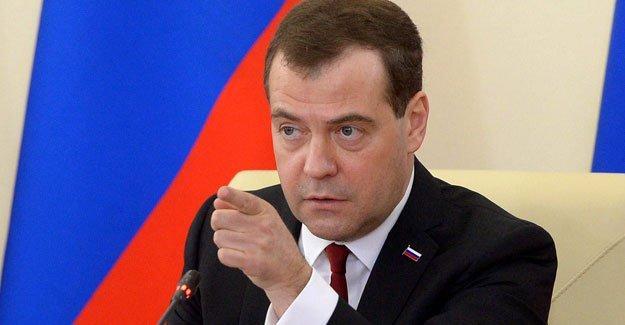 Medvedev: Türkiye'den gelen açıklamalar lüzumsuz