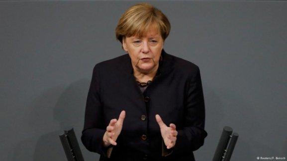 Merkel: Almanya'daki mülteci sayısının azaltmak istiyoruz