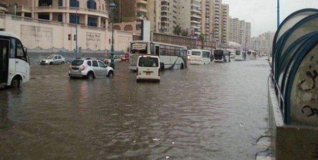 Mısır'da sağanak yağış nedeniyle 44 kişi hayatını kaybetti