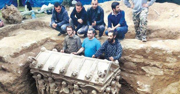 Roma dönemine ait 7 tonluk lahit müzeye taşındı