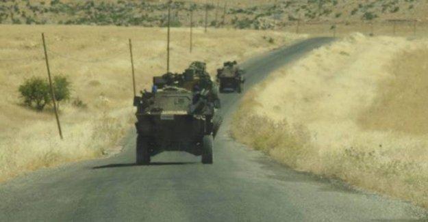 Silvan'da askeri aracın geçişi sırasında patlama: Yaralılar var