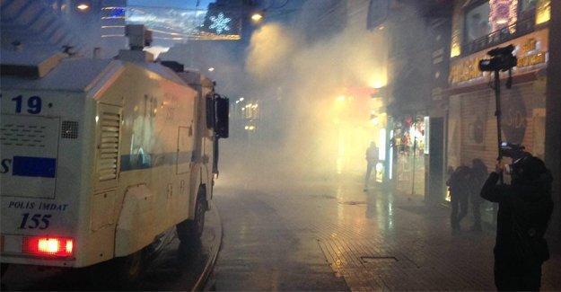 Taksim'deki Tahir Elçi yürüyüşüne polis saldırısı