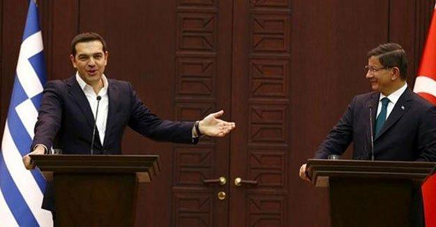 Tsipras, Davutoğlu'na seslendi
