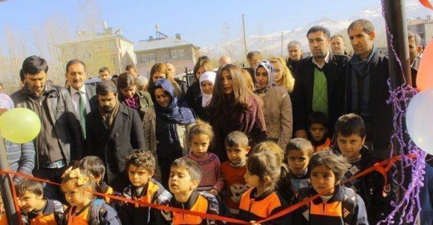 Van'da Kürtçe eğitim veren okul açıldı