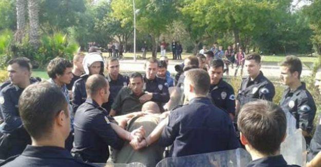 YÖK'ü  protesto eden 9 öğrenciye gözaltı