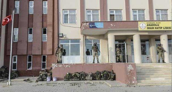 Abluka sonrası Silvan: Lise hala 'karargah' olarak kullanılıyor