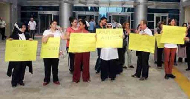 Anadolu Adliyesi'nde maaşlarını alamayan yemekhane işçileri eylemde