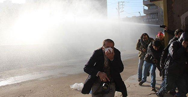 Batman'da 'abluka' protestosuna polis saldırdı