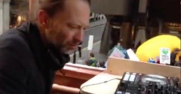 Londra'daki Birleşmiş Milletler İklim Konferansı protestosunda Thom Yorke DJ'lik yaptı