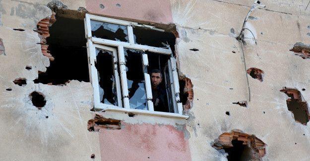 Cizre'de neler yaşanıyor: Hendek olmayan mahallelere dahi top atışı