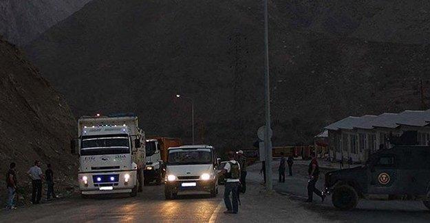 Cizre'de PKK bir polisi kaçırdı