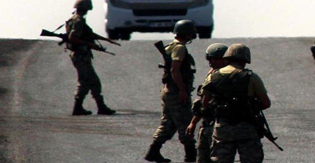 Cizre'de silahlı saldırı: 2 asker hayatını kaybetti
