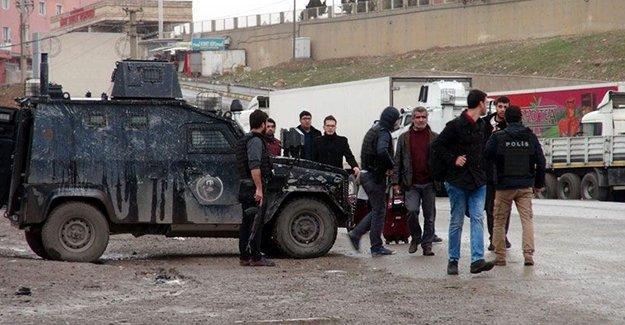 Cizre'deki bir öğretmenin çığlığı: Bu mazlum insanları rahat bırakın