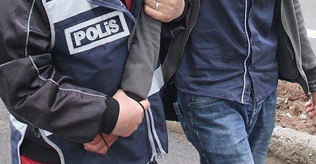 """İzmir'de """"paralel yapı"""" operasyonu: 34 gözaltı"""