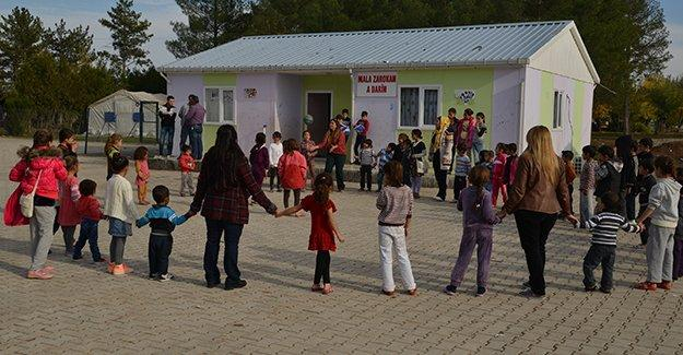 Diyarbakır Belediyesi, Şengalli bin 100 çocuğa eğitim veriyor