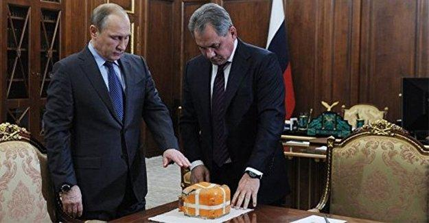 Düşürülen Rus uçağının karakutusu Putin'in masasında