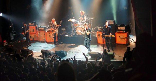 Eagles of Death Metal, iptal ettiği Avrupa turuna devam ediyor