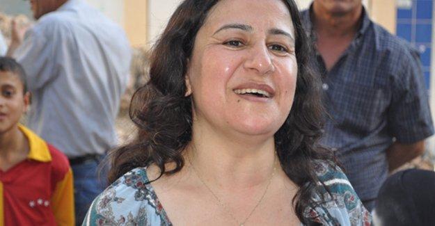HDP'nin yeni grup başkanvekili Çağlar Demirel seçildi