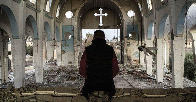 IŞİD'den kurtarılan Hıristiyan köyleri yaralarını sarıyor