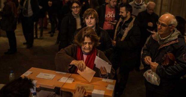 İspanya'nın seçimi: Podemos'tan büyük çıkış, tek başına iktidar sona erdi
