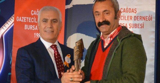 Komünist Belediye Başkanı Maçoğlu hayatının ilk ödülünü aldı