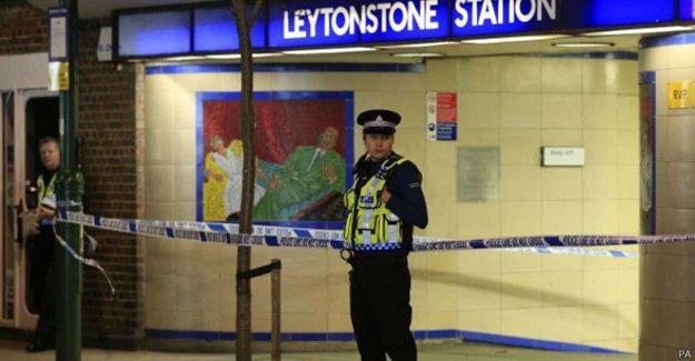 Londra metrosunda 'Suriye için' bıçaklı saldırı
