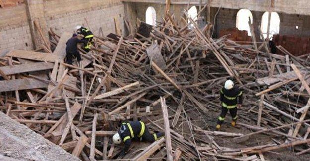 Maraş'ta cami inşaatında göçük
