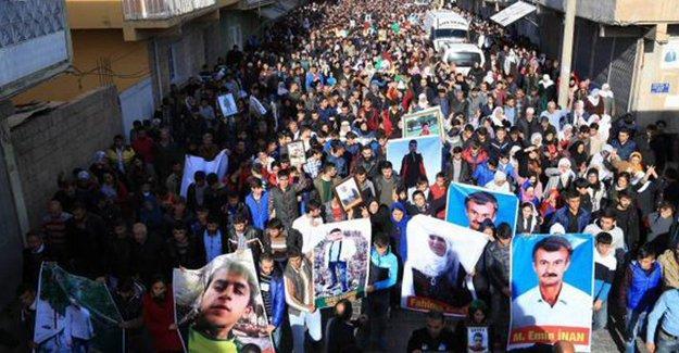Nusaybin, sokağa çıkma yasağı sırasında katledilen beş kişiyi uğurladı