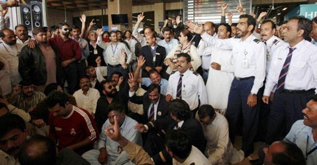 Pakistan'da havayolu işçilerinden özelleştirme protestosu