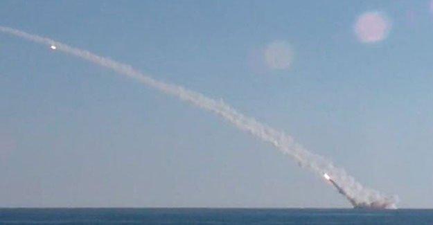 Rusya, Suriye'deki hedefleri denizaltıdan vurdu