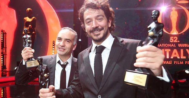 Sabah-ATV Grubu sansürlediği filme ödülünü de vermedi