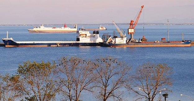 Samsun Limanı'nda 2 Rus gemisi alıkonuldu