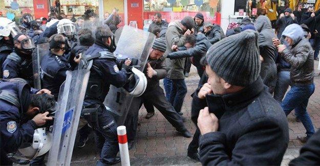 SİDEMİR işçilerine polis yine biber gazlarıyla saldırdı!