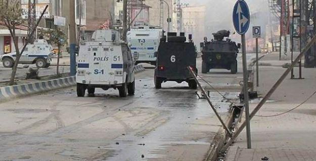 Sur'da, 4 polis ve 13 sivil yaralandı