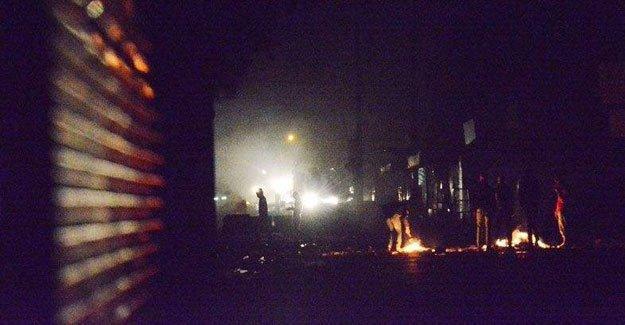 Tarsus' ta polis mahallelere ateş açıyor