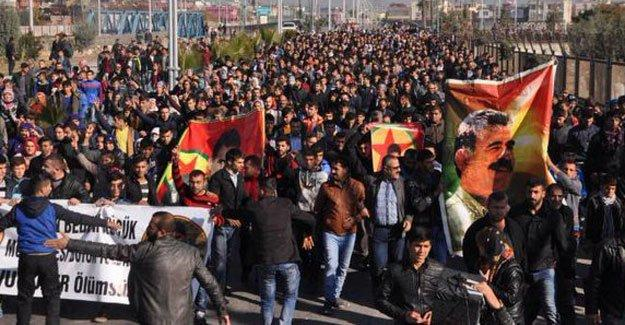 Tarsus'ta öldürülen Özer toprağa verildi