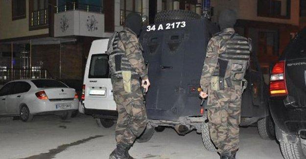 Üç büyük kentte ev baskınları: Yüksekdağ'ın danışmanı da gözaltında