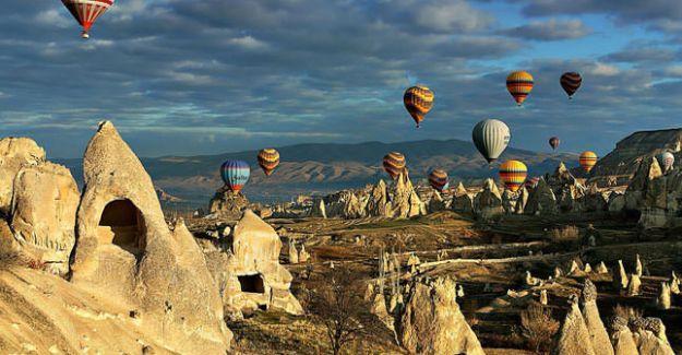 Yabancı turist sayısı 11 ayda yüzde 1,36 azaldı
